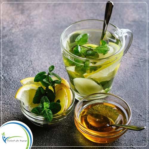 تناول عصير الليمون والشاي الاخضر